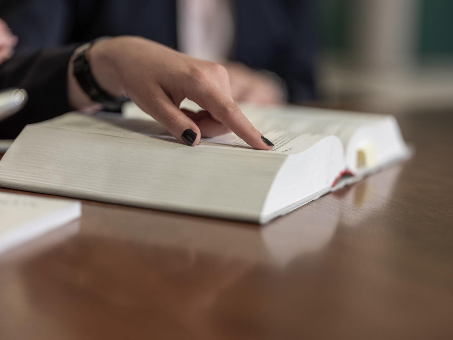 Legal advice - MHN Treuhand AG